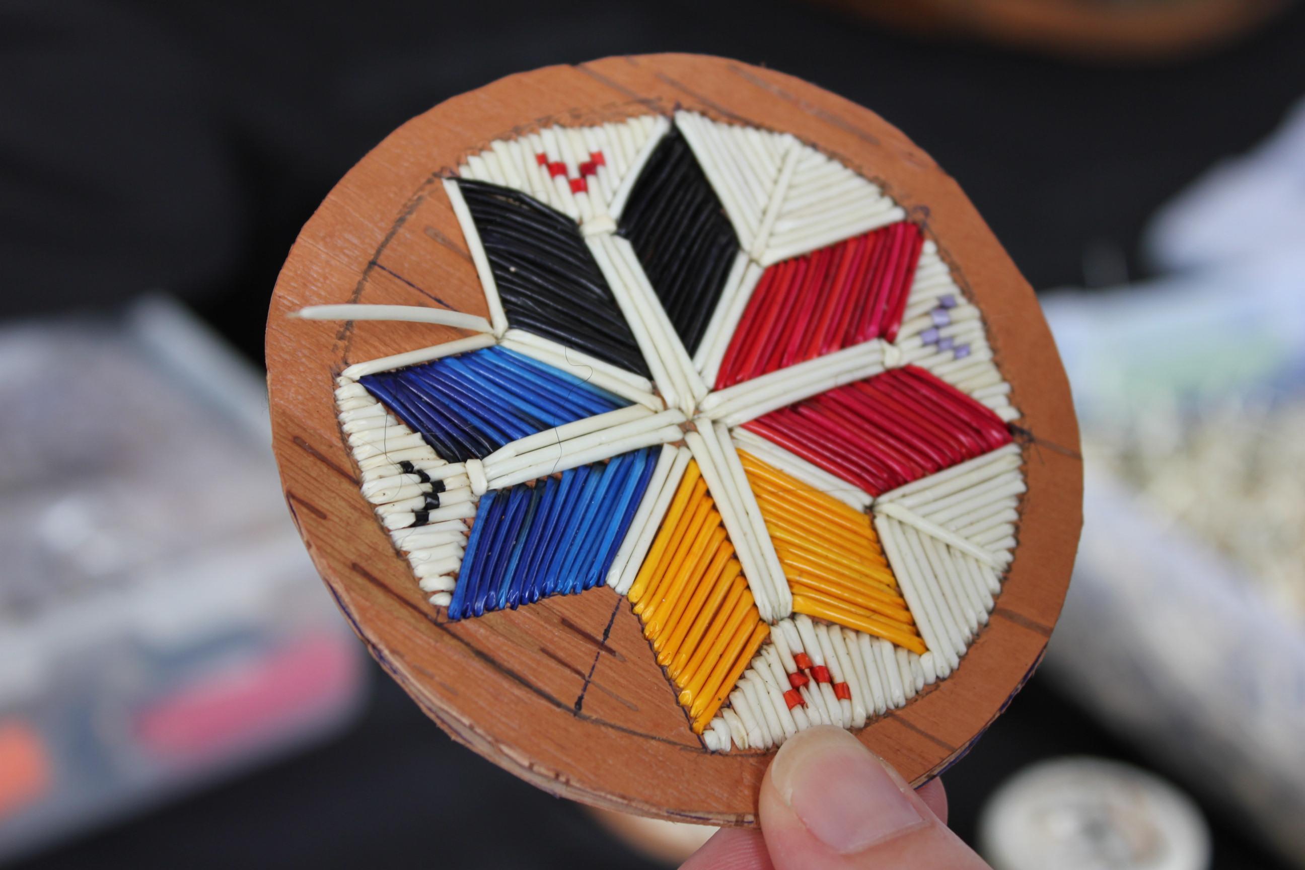 explore mi 39 kmaq culture quillwork craft for native. Black Bedroom Furniture Sets. Home Design Ideas