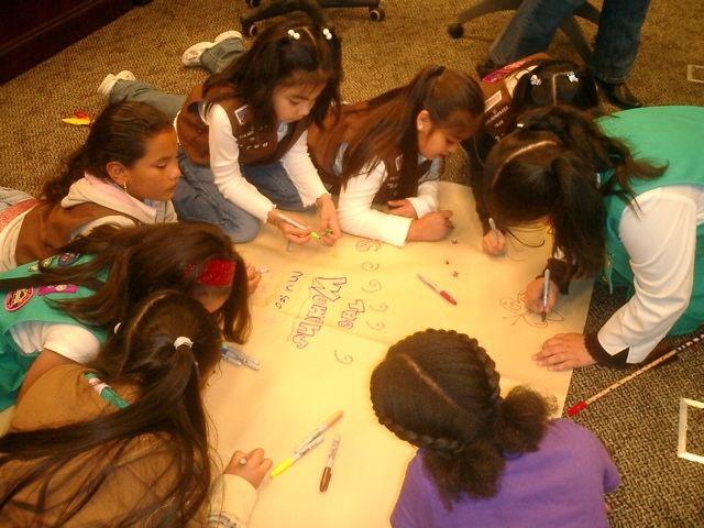DALLAS girls making pow-wow drum at women's museum