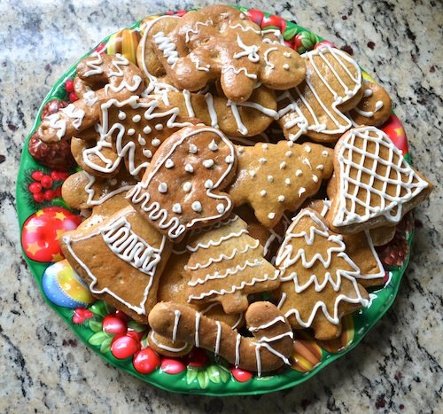 Christmas in Slovakia - Honey Spice Cookies - Kid World Citizen