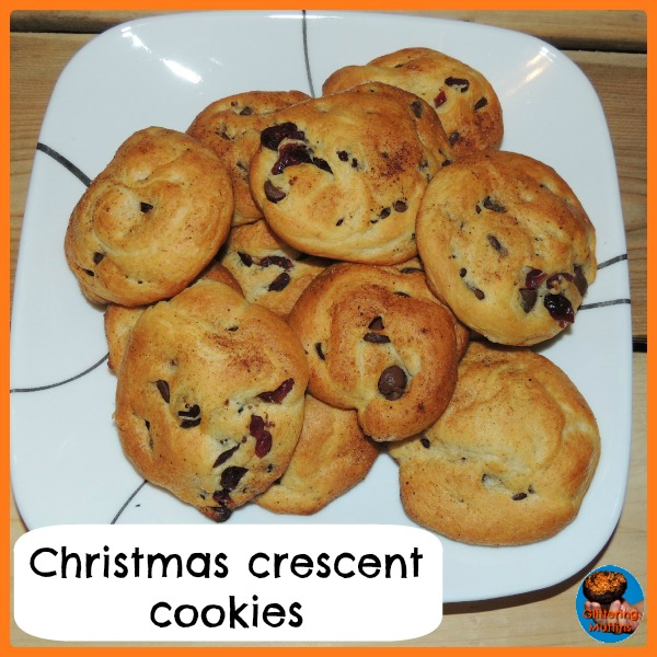 Christmas Crescent Cookies -Glittering Muffins