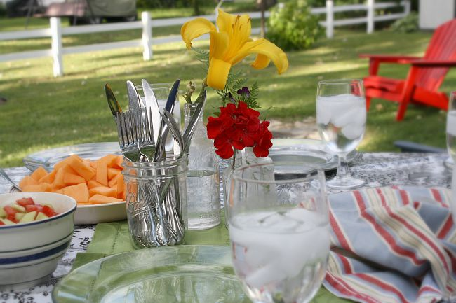 Picnic Table Setting for a Persian Picnic & Picnic Table Setting for a Persian Picnic - Multicultural Kid Blogs