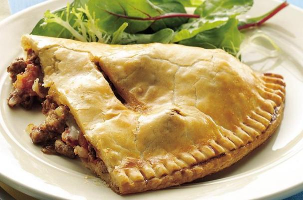 Photo credit: http://www.foodista.com/blog/2014/07/10/world-cup-game-day-food-argentina-style-beef-empanadas