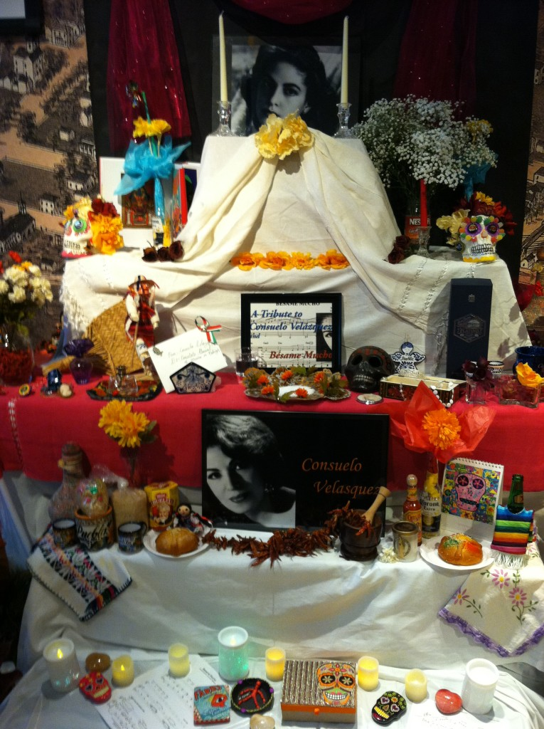 Día de los Muertos altar