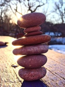 stacked-stones-664928_640