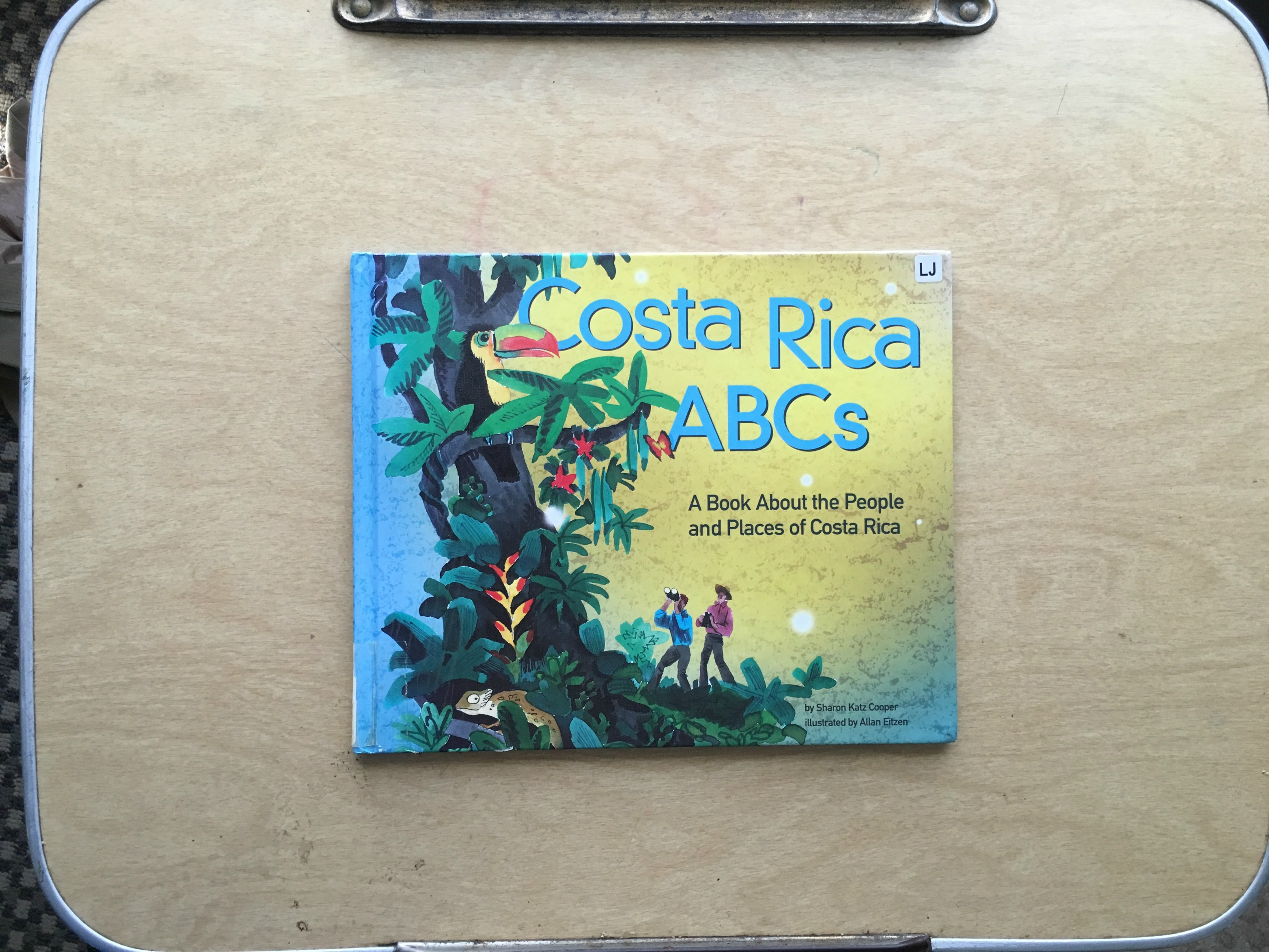 6 Tips to Use Your Library Card as a Passport to Costa Rica | Multicultural Kid Blogs