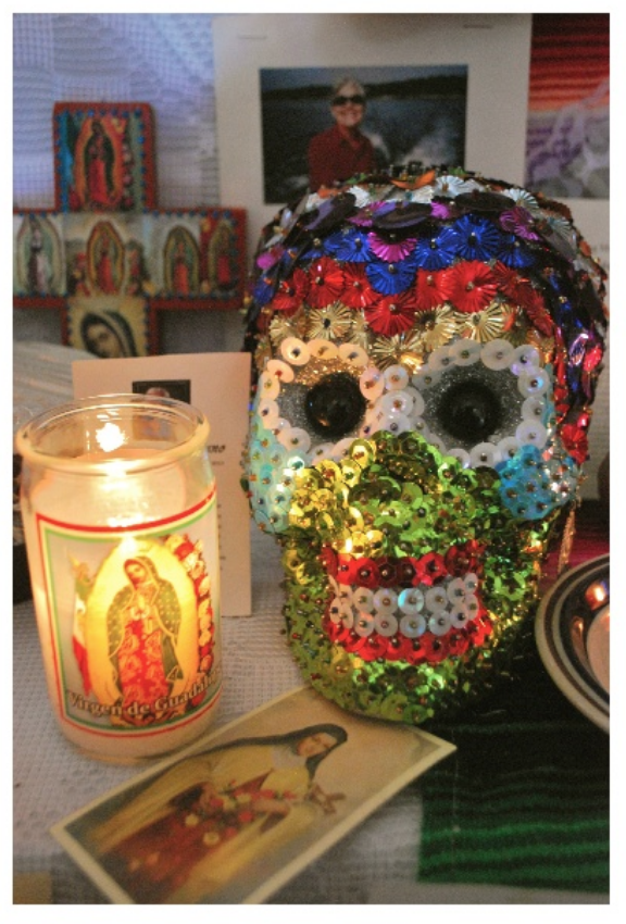 candles at the day of the dead altar | MKB