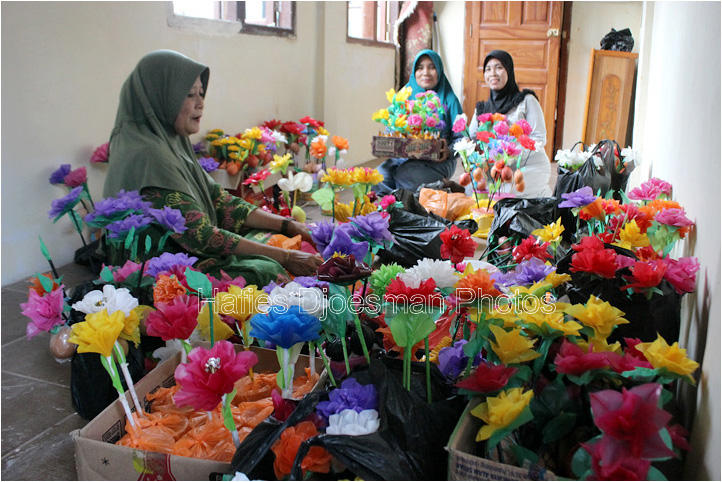 flower eggs craft from Indonesia