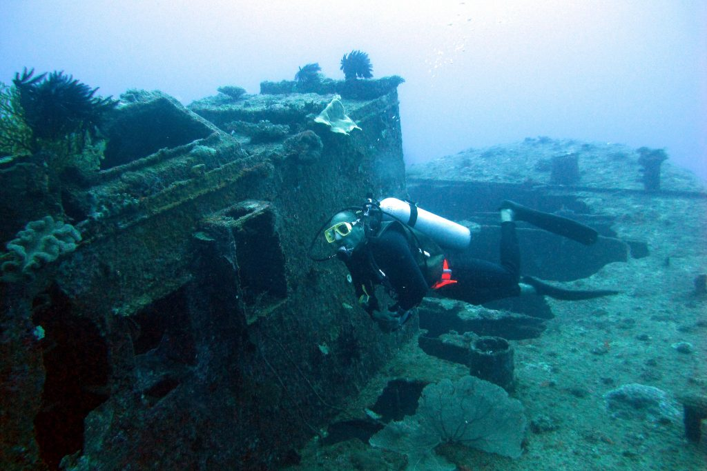 Sunken Ship diving | Fun Facts about Vanuatu for Kids