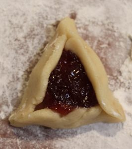 filled hamantaschen before cooking
